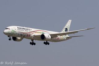 XA-ADL Boeing 787-9 Aeromexico Barcelona airport LEBL 11.08-19