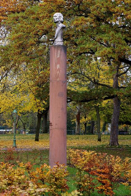 Mainz, Drususwall, Peter-Cornelius-Denkmal