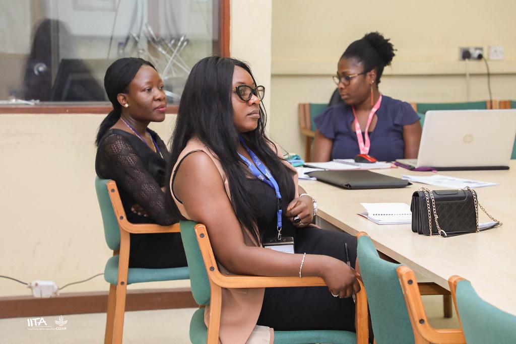 Day 4: Participants at Bosun's presentation