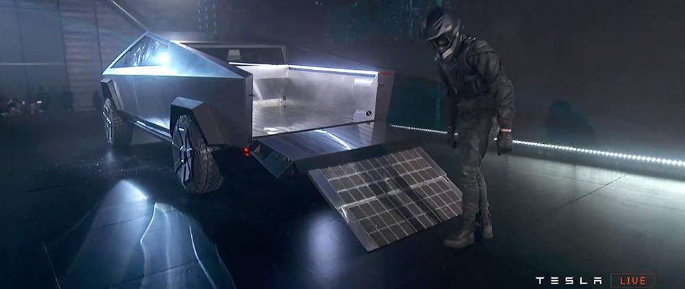 Tesla-Cybertruck-21-Carscoops21