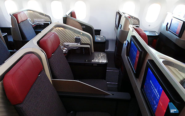LATAM B787-9 nueva Premium Business hooney moon seat (RD)