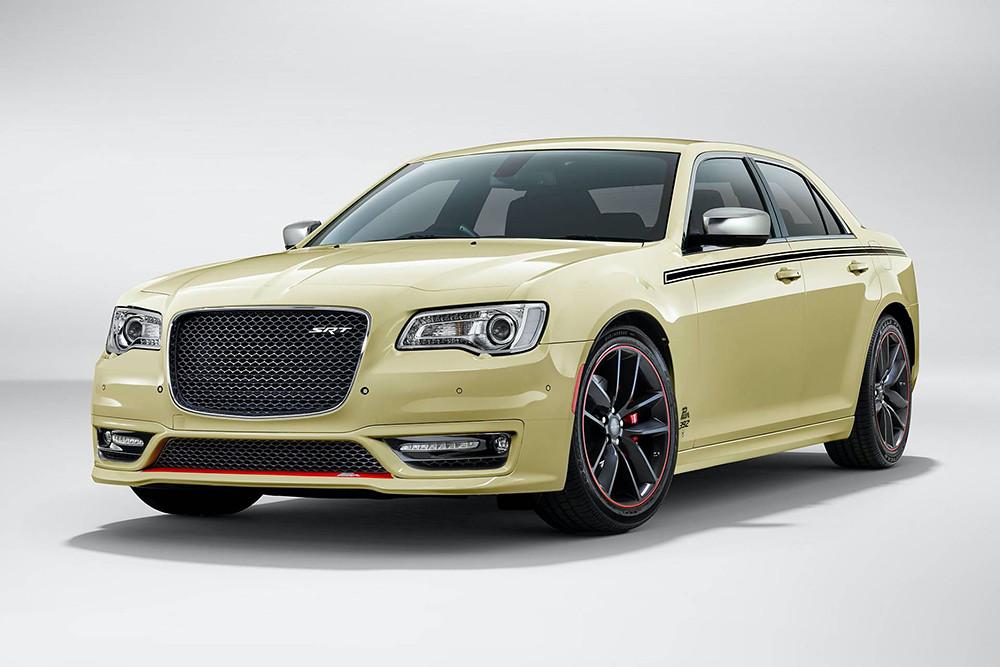 Chrysler-300-SRT-Pacer-one-off-3