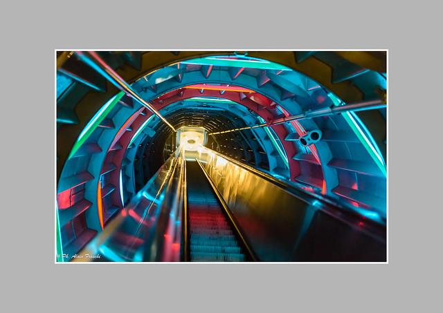 Belgique – Bruxelles – Laeken - L'Atomium/Escalators