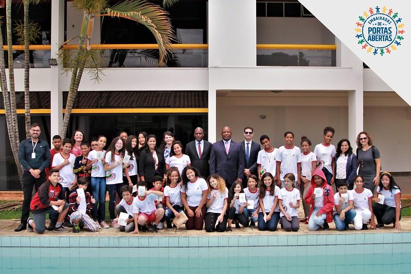 PEPA: Embaixada do Zimbábue recebe o Centro de Ensino Fundamental 03 de Brazlândia