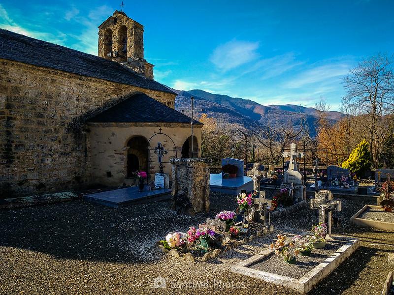 Cementerio junto a Saint-Marthe de Vernaux