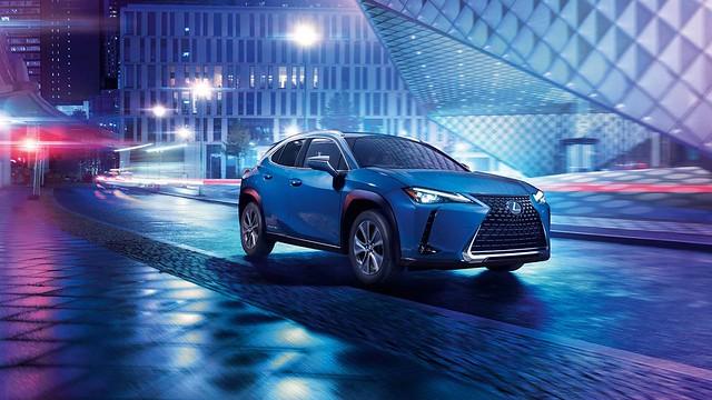 Lexus-UX-300e-001