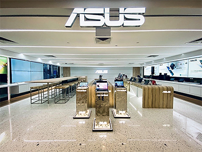 The 3,000 square-feet store offers an online-to-offline experience with immersive product showcases, integrated customer services and dedicated workshop spaces.