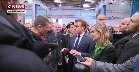 19k23 Macron Amins ante obreros Whirlpool