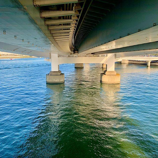 Under the #RainbowBridge #レインボーブリッジ #Minatoku #港区 #日本 #Japan #東京 #Tokyo #PuenteRainbow #레인보우브리지 #Радужный мост #彩虹大橋 #橋 #bridge