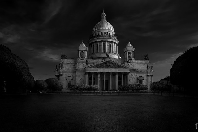 RUS71601 - Cityscape #10. Cathedral