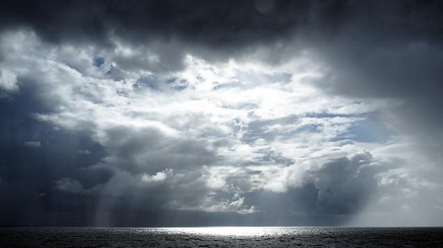 P8212133 nubi sul mare