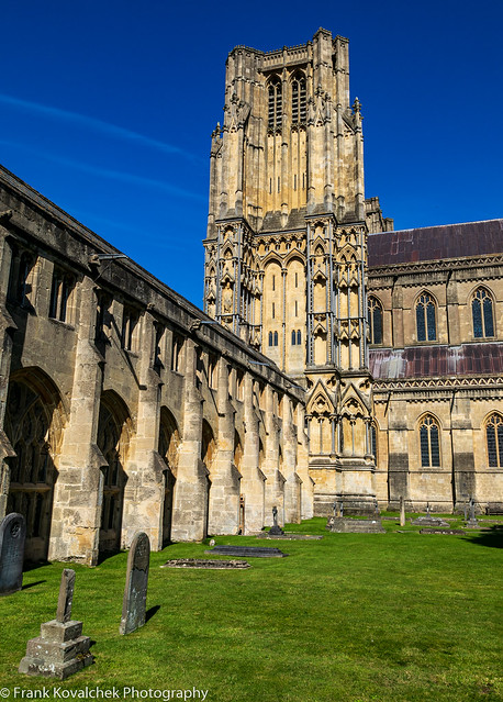 Courtyard and cemetery at Wells Cathedral