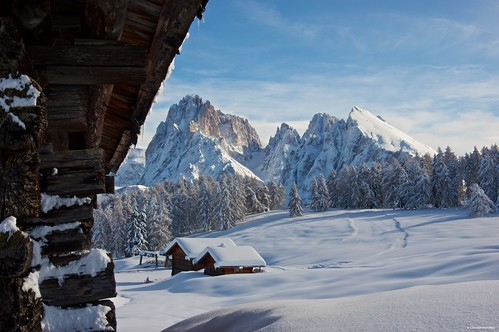 alpedisiusi valgardena dolomiti alpe di siusi val gardena snow winter mountains adler lodge ortisei sassolungo sassopiatto sky christ cross pentax pentaxk3ii pentaxcamera pentaxlens pentaxart cold unesco pentax18135 gröden sciliar clouds tree sella sellagroup snowstorm sunrise woods