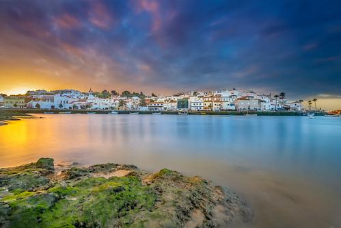 sunrise ferragudo algarve portugal