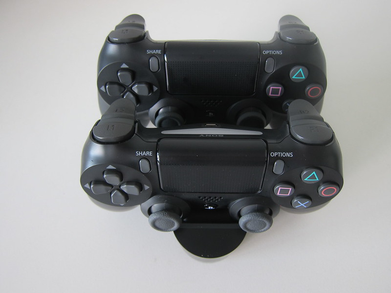 Sony DualShock 4 Charging Station - With DualShock 4 Controllers - Top