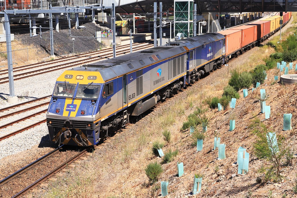 2122S EL63 & GL111 Adelaide Showgrounds by Jacko's Photography
