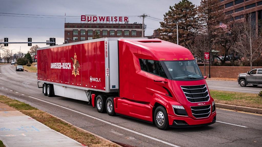 Anheuser-Busch провел первую поставку пива на электрогрузовиках