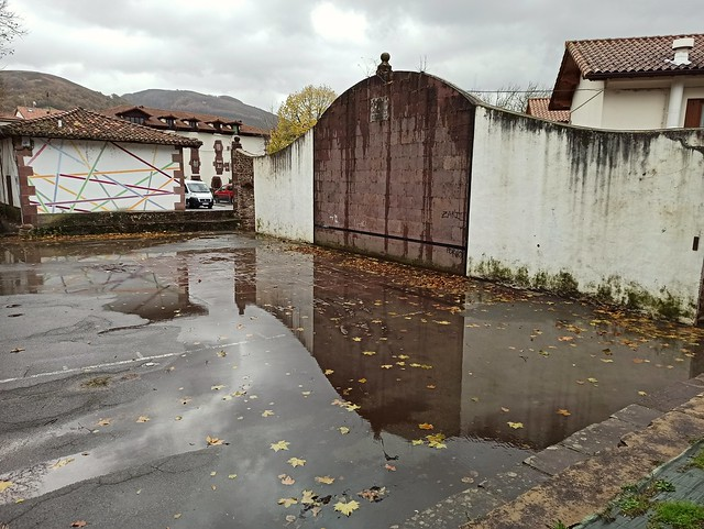 Frontón en Elizondo (Navarra, España, 23-11-2019)