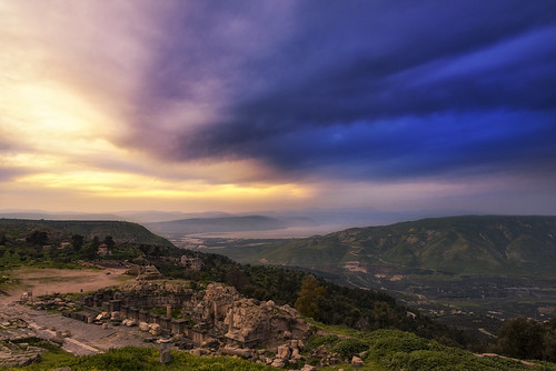 outdoors landscape sky sunset lake water building ruins romans golanheights seaofgalilee syria israel ummqais jordan asia travel nikon nikond750 nikkor283003556 gazzda hrvojesimich