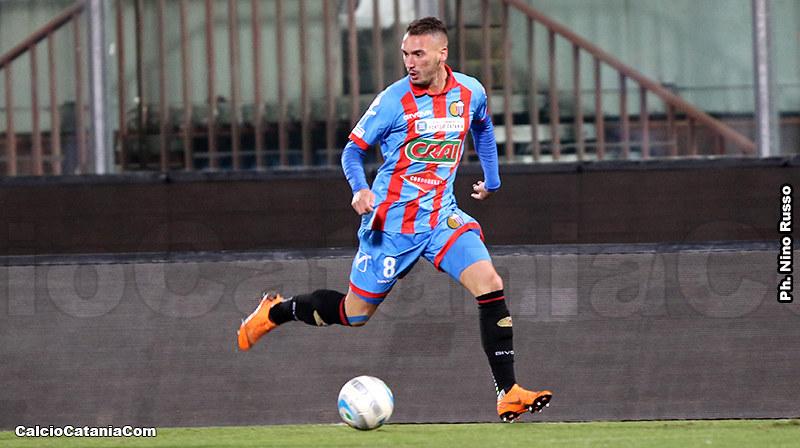 Davide Di Molfetta con la maglia del Catania