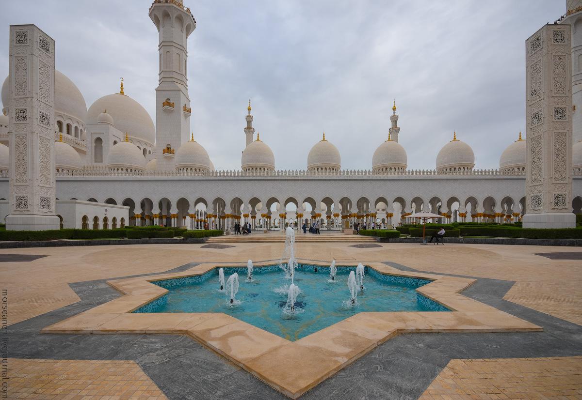 Mosque-Abu-Dhabi-(1)