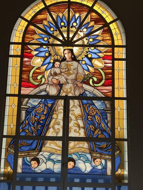 Stained glass, Pila-pila church