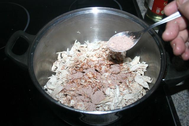 37 - Fajita-Gewürzmischung einstreuen / Add fajita seasoning mix