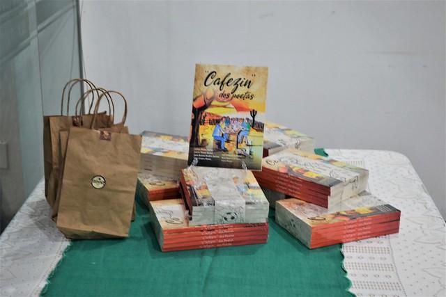 Lançamento Cafezin dos Poetas - Conquista - parte I