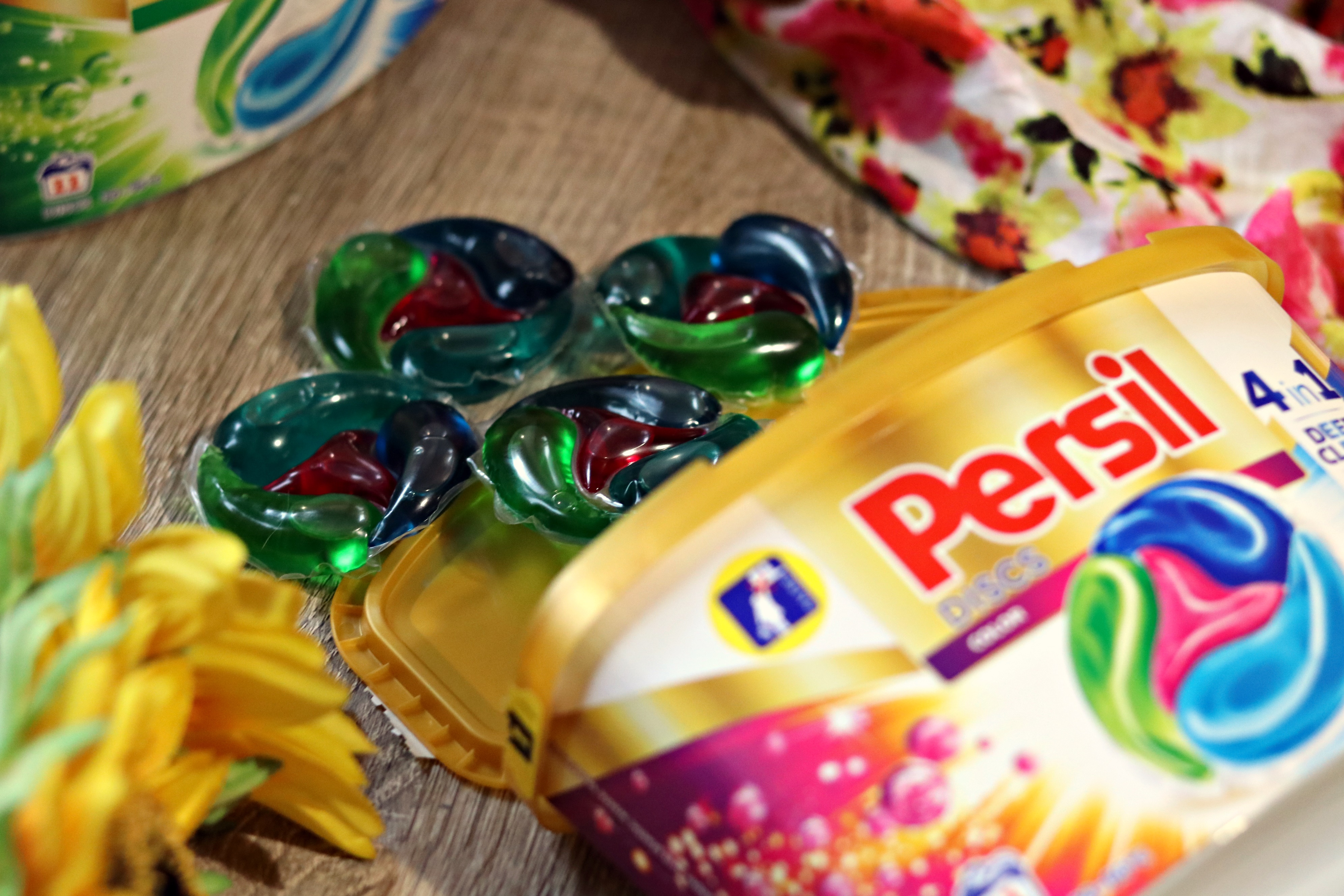 persil capsule pentru rufe colorate