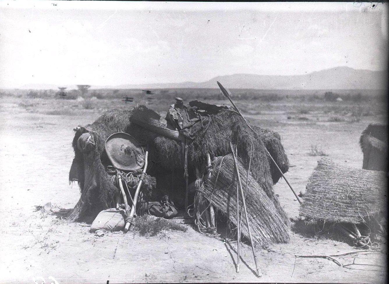 651. Данакильская пустыня. Данакильский походный шалаш
