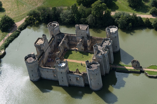 bodiam bodium castle sussex moat moated eastsussex fort fortress robertsbridge dalyngrigge nationaltrust lewknors lordthanet lordcurzon scheduledmonument listedbuilding nt above aerial nikon d810 hires highresolution hirez highdefinition hidef britainfromtheair britainfromabove skyview aerialimage aerialphotography aerialimagesuk aerialview viewfromplane aerialengland britain johnfieldingaerialimages fullformat johnfieldingaerialimage johnfielding fromtheair fromthesky flyingover fullframe cidessus antenne hauterésolution hautedéfinition vueaérienne imageaérienne photographieaérienne drone vuedavion delair birdseyeview british english
