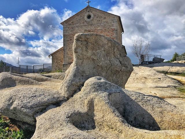Necrópolis medieval de Sieteiglesias en la Sierra Norte de Madrid