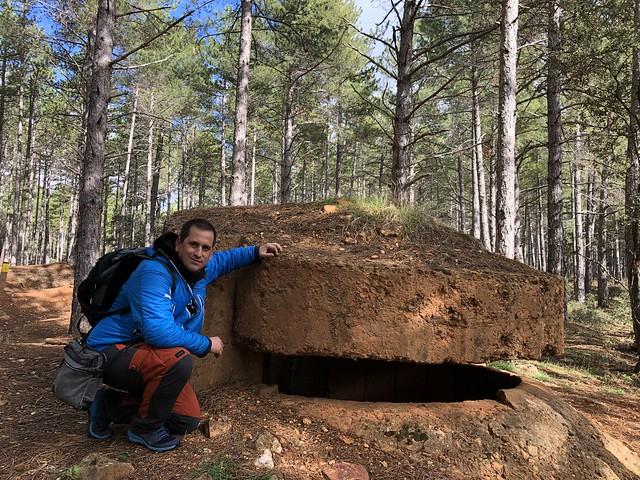 Sele en un búnker del Frente del Agua (Guerra Civil en Sierra Norte de Madrid)