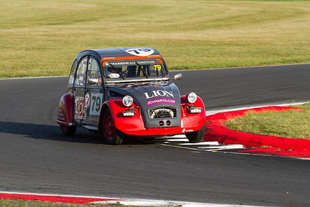 2CVParts.com Classic Racing Championship 2CV Team LION 2 Citroen 2CV