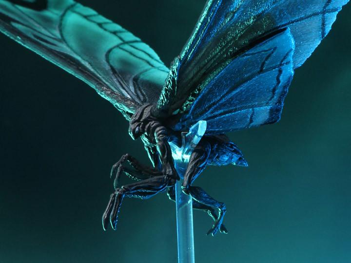 再現劇中感動!NECA《哥吉拉II:怪獸之王》摩斯拉 (2019) 電影海報.ver 7 吋可動作品(Godzilla: King of the Monsters Mothra Poster Version)
