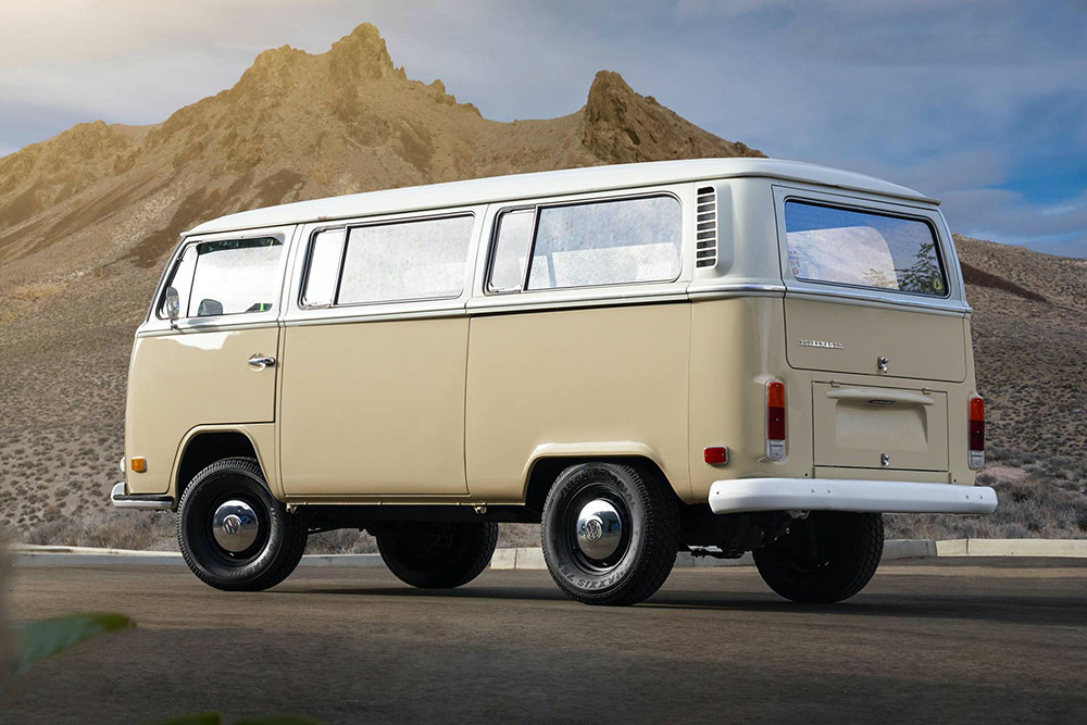 1972-Volkswagen-Type-2-Bus-with-e-Golf-electric-powertrain-28