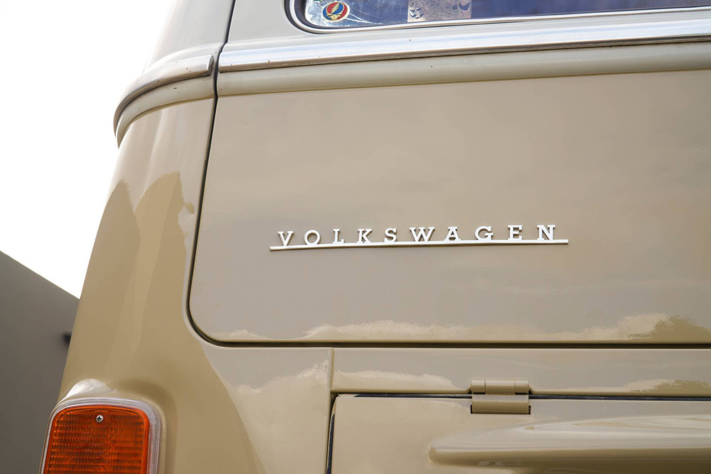 1972-Volkswagen-Type-2-Bus-with-e-Golf-electric-powertrain-18