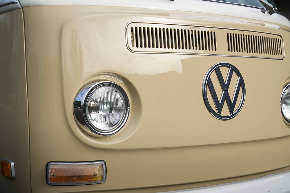 1972-Volkswagen-Type-2-Bus-with-e-Golf-electric-powertrain-23