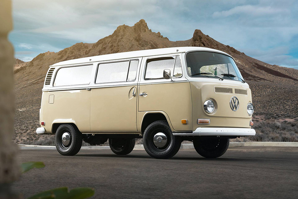 1972-Volkswagen-Type-2-Bus-with-e-Golf-electric-powertrain-29