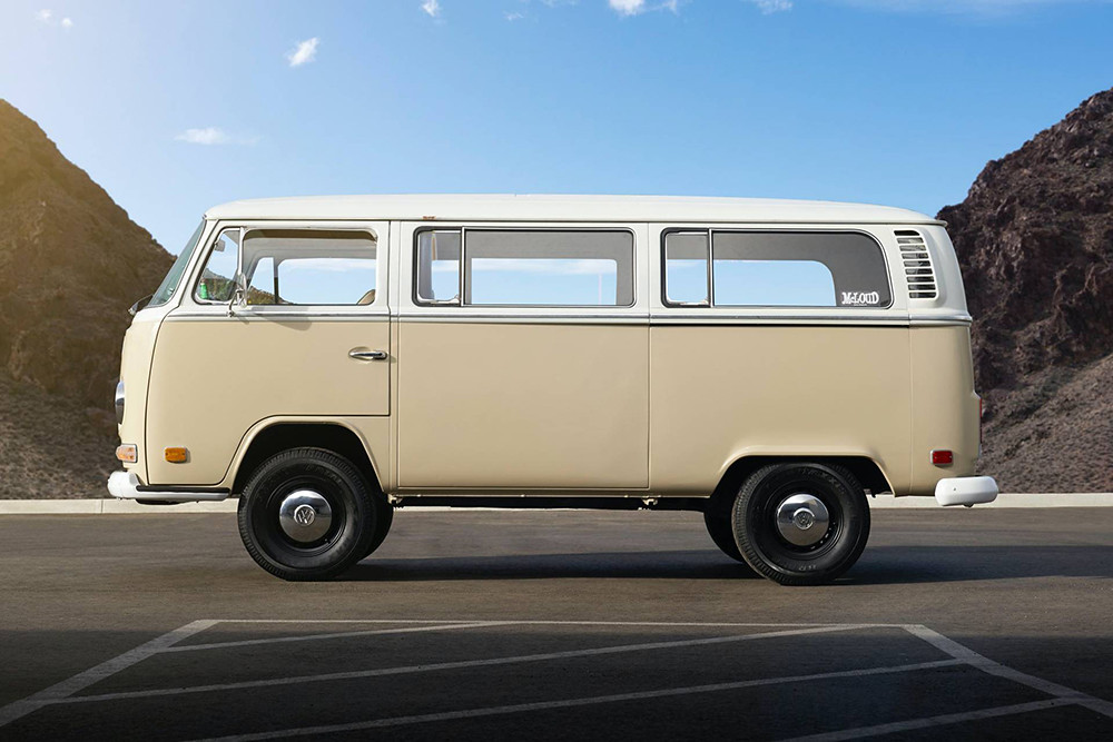 1972-Volkswagen-Type-2-Bus-with-e-Golf-electric-powertrain-27
