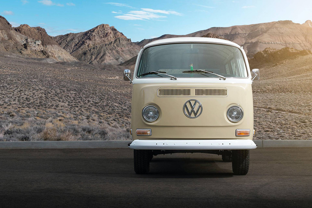 1972-Volkswagen-Type-2-Bus-with-e-Golf-electric-powertrain-10