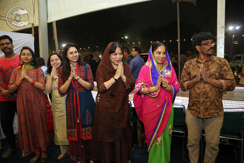 Her Holiness blessing the devotees at HRD