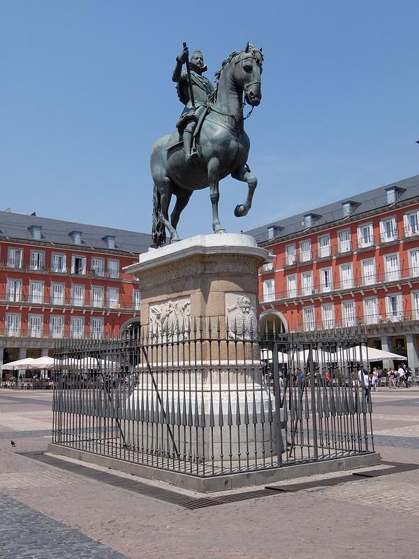 Мадрид - Статуя короля Филиппа III