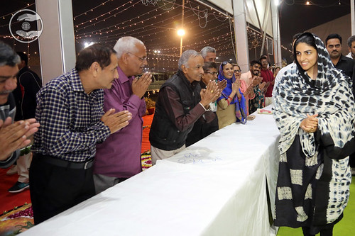 Satguru Mata Ji blessing the Sewadars