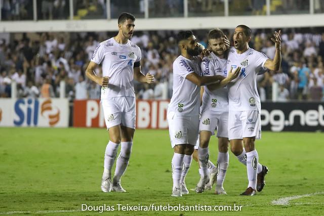 Santos 4 x 1 Cruzeiro, jogo válido pelo Brasileirão 2019, disputado no dia 23 de novembro, na Vila Belmiro