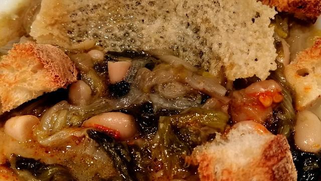 Scarole e fagioli con crostini di pane raffermo, cialda di Parmigiano Reggiano e peperoncino piccante - Escaroles and beans with croutons of stale bread, Parmigiano Reggiano wafer and red hot pepper