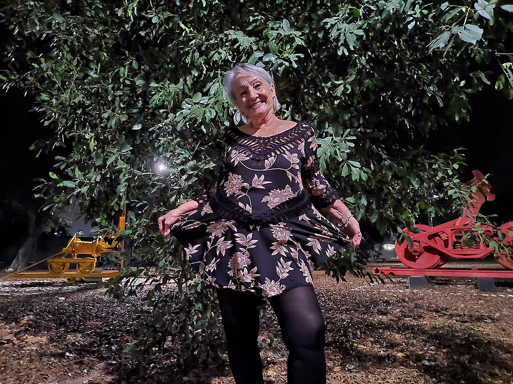 ננו רוב ננורוב צילום לילי צילומי לילה צילומים בלילה גן פסלים גינת הפסלים פיסול פסל יגאל תומרקין