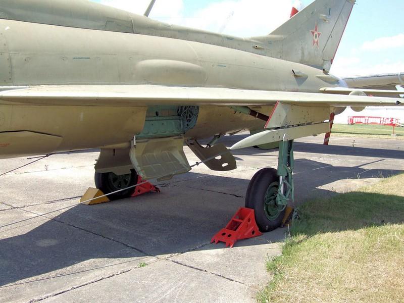 MiG-21PF Fishbed D 18