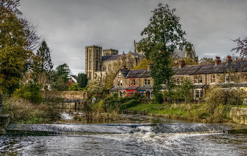 riponcathedral cathedral minster church architecture view water river riverbank weir almaweir island waterfall riverskell trees terrace houses chimneys chimneypots windows gingerbread illusion dream photo photograph light shadow contrast highdynamicrange hdr tonemapping luminancehdr luminance riponcity rawtherapee haldclut filmsimulation linux photography amateurphotography lumixg microfourthirds micro43 mirrorless lumix gf7 camera november autumn fall 2019 flickr ripon northyorkshire yorkshire england sleepyhedgehog ©paulmarshall