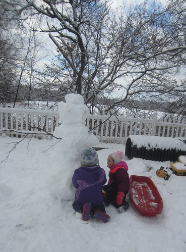 sister snowman building team